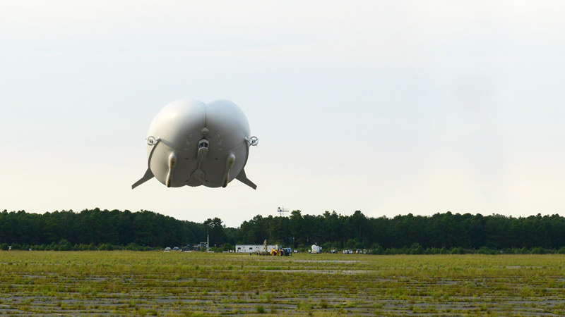 Airlander 10 crashes during second test flight Image