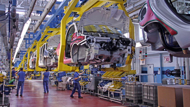 Fall in UK car production sparks calls for Brexit rethinkImage
