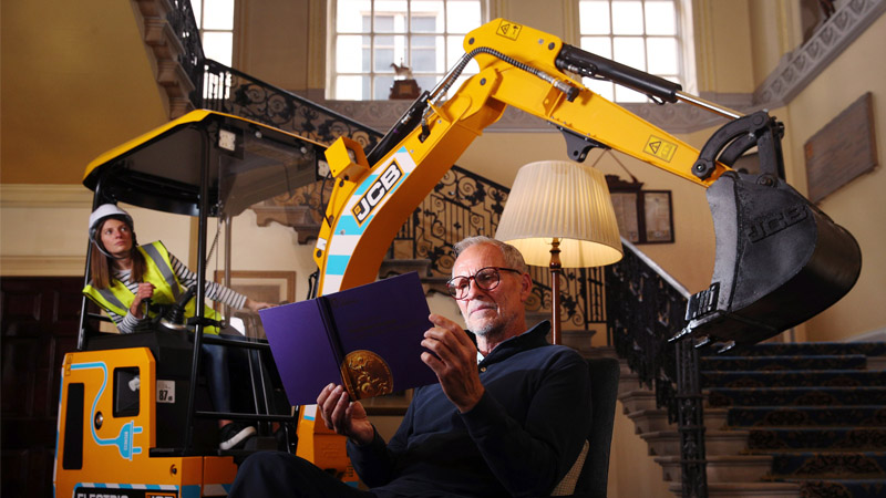 JCB's electric digger scoops up prestigious engineering award Image