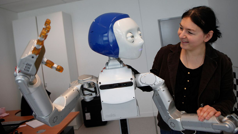 'Emotional' robots can tell your gender from a handshakeImage