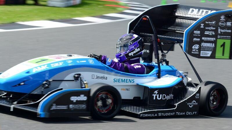 Formula Car Racing